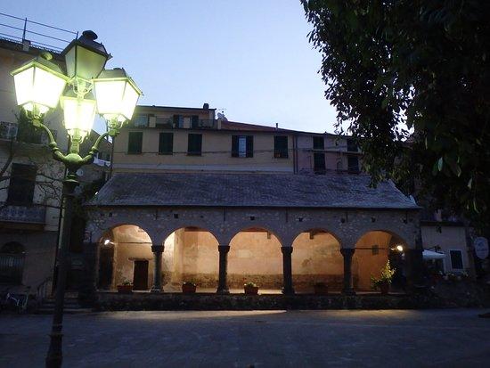 Levanto, Italia: Piazza del Popolo