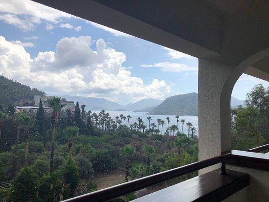 Marti Resort Hotel: Так называется номер с боковым видом на море.