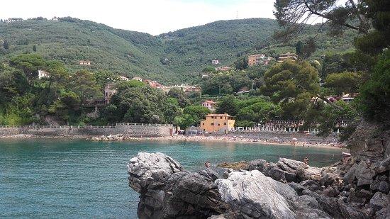 Фьяшерино, Италия: Vista dgli scogli