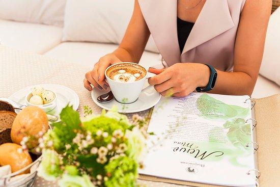 Pokrovsky Restaurant: Обширная чайная и кофейная карта для ценителей и любителей
