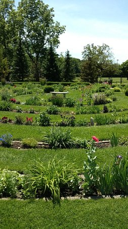 Labyrinth Garden Earth Sculpture (West Bend) - 2018 All You Need to on