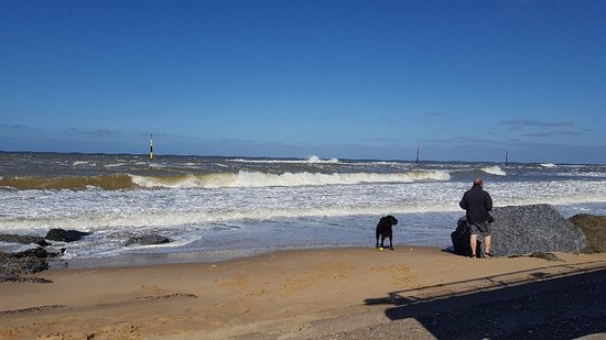 Sea Palling, UK: Great waves