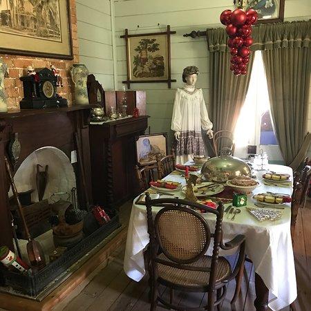 Pioneer Cottage Buderim: December 2017