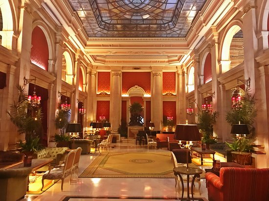 Hotel Avenida Palace: Lovely at night.the Avenida Palace Hotel, Lisbon, by Jeremiah Christopher