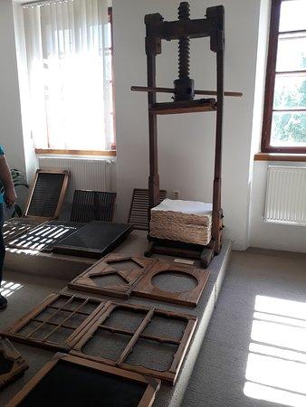 Handmade Paper Mill Velke Losiny: papírna