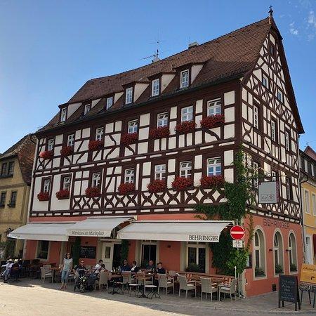 Hotel Behringer: Wie ein Porzellanhaus vom Weihnachtsmarkt!