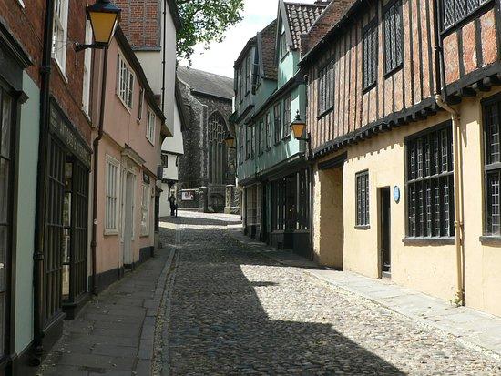 Elm Hill: Great looking buildings