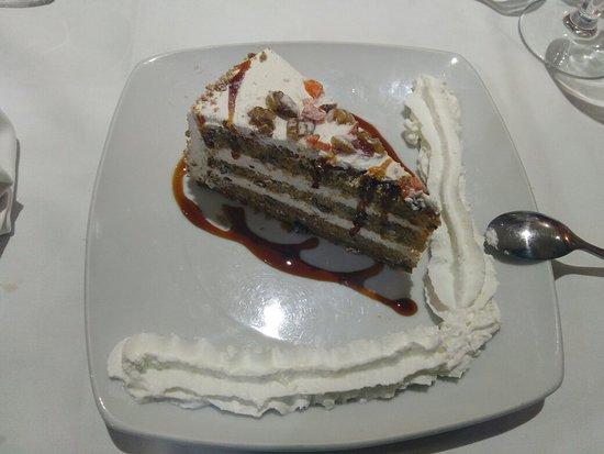 San Clemente, Spanien: Ensalada de judías con perdiz y tarta de zanahoria...