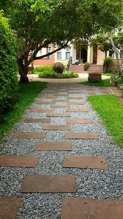 Nan Boutique Resort: Walking way which suitable for exercise or relax.