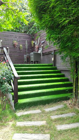 Nan Boutique Resort: Green ladder to Restaurant.