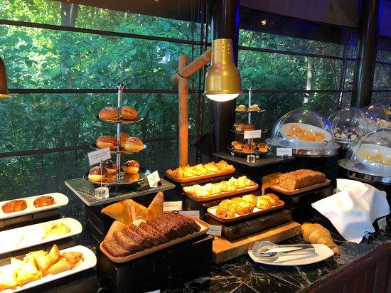 JA Manafaru: Breakfast Buffet - Pastries