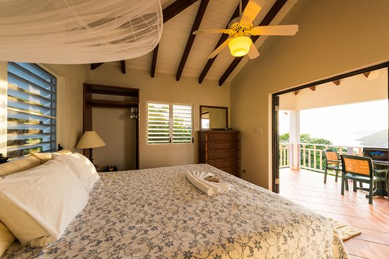 White Bay Villas & Seaside Cottages: White Bay Villas - Hillside Villa bedroom