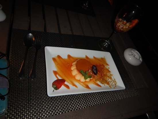 The Cliff Bar and Grill: We don't often have sweets but this night we didn't regret it at all