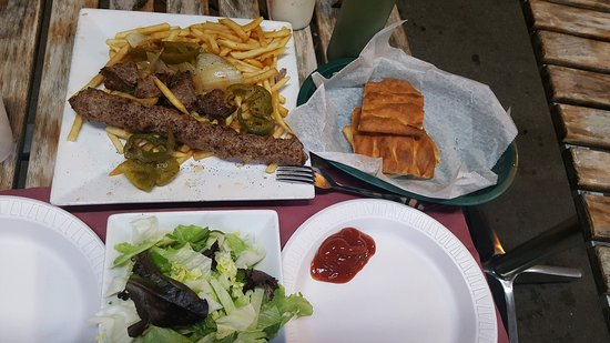 Lake Hiawatha, NJ: Soggy fries, dry kufta and stale bread