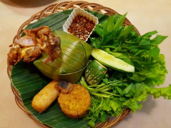 Nasi timbel ayam - Picture of Saung Kabayan, Bandung - Tripadvisor