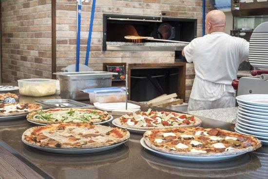 Blu Marino: Pizzeria con forno a legna
