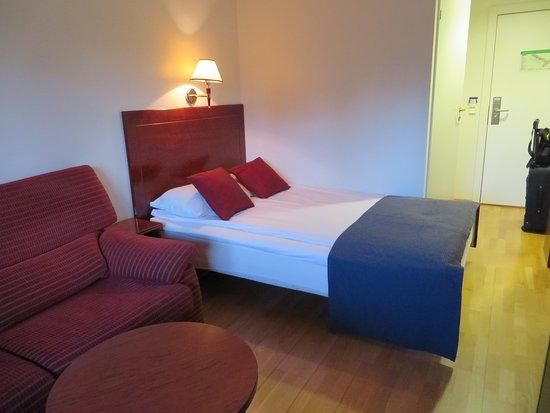 "Park Inn by Radisson Oslo Airport Hotel West: ""Twijfelaar"""