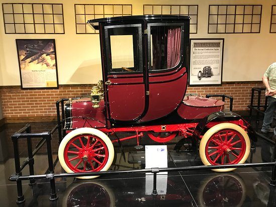 "Gateway Colorado Automobile Museum: Early ""horseless carriage"""