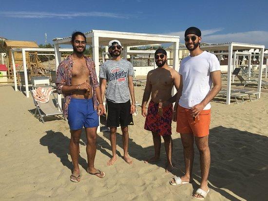 Le Dune Beach: Crew
