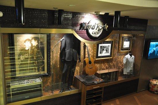 Hard Rock Cafe: belli i memorabilia