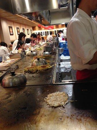 Okonomiyaki Machiya. Porta: The Hot Plates