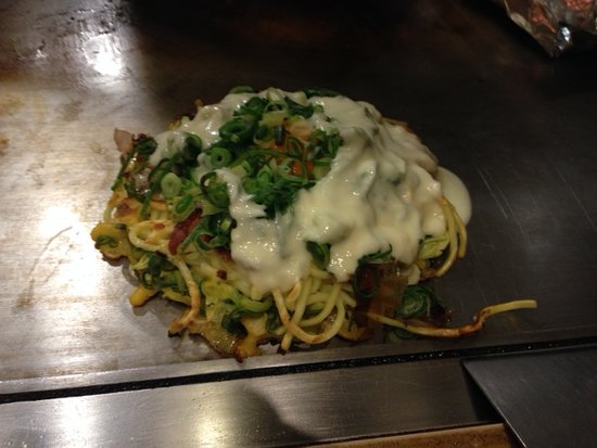 Okonomiyaki Machiya. Porta: Por kand Cheese on Noodles