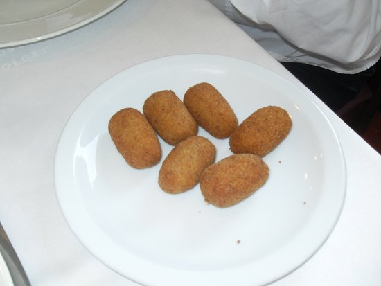 La cuina de l Hostal Dolcet: Croquetes caseras.