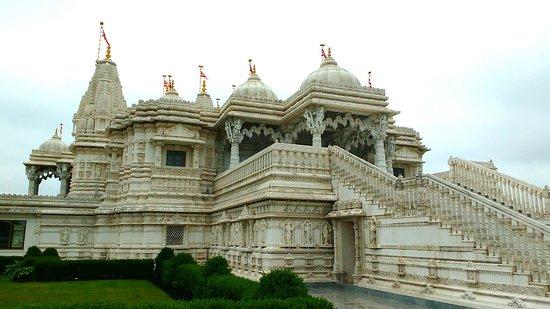 BAPS Shri Swaminarayan Mandir: Swaminarayan Temple