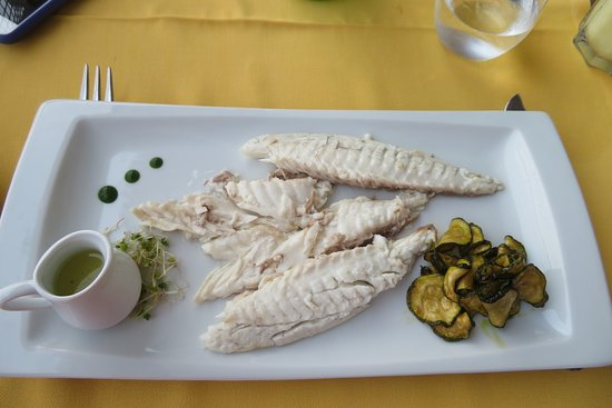 Tramonto d'Oro Restaurant: Special fish baked in salt