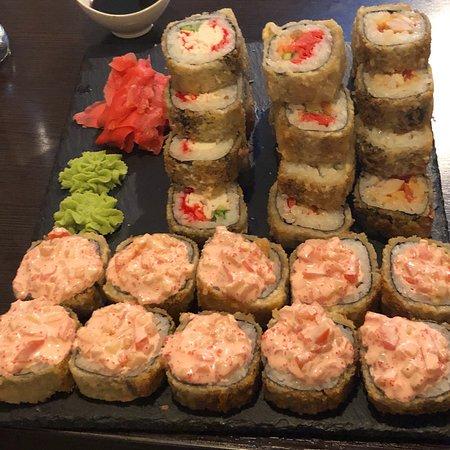 Суши House: Excelente preparación y sabor de Sushi, mejor aún el servicio que pese a la limitación que tenem