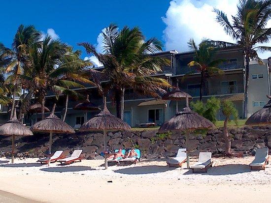 Solana Beach Mauritius: Hotel view from beach