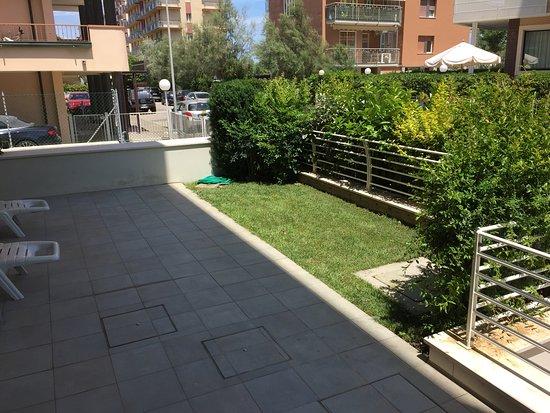 RESIDENCE SAN PAOLO: Terrazzo con giardino