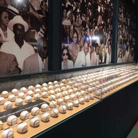 Фотография Negro Leagues Baseball Museum