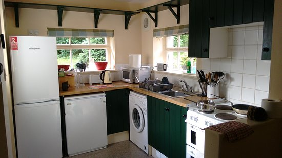 Threave Garden: Gate lodge, kitchen. All mod. cons.