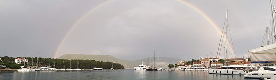 Perigiali, Grèce: Fishkardo Rainbow