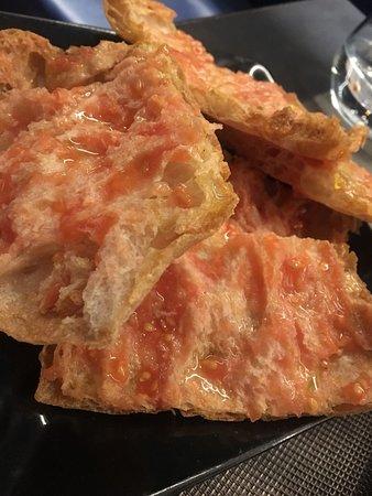 Napa: Pan con Tomate