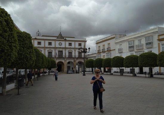 Plaza de Espana: Al fondo el Ayuntamiento
