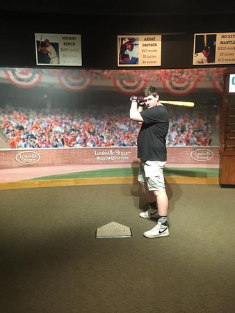 Louisville Slugger Museum & Factory: Holing the game bat