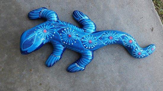 Mercado  Juarez: I love my hand-painted lizard.