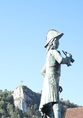 Monument au General Travot: Monument au Général Travot