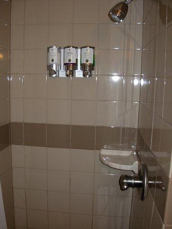 Grand Canyon Lodge - North Rim: Shower Stall