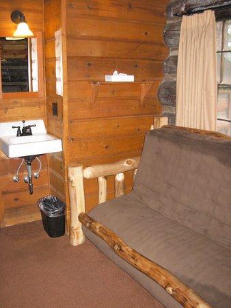 Grand Canyon Lodge - North Rim: Futon and 2nd sink