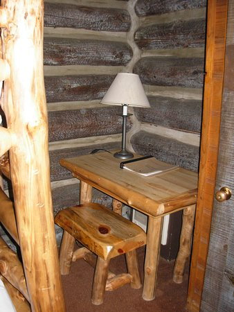 Grand Canyon Lodge - North Rim: desk with bench seat