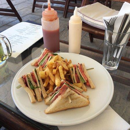 Foto de Glyka Nera Restaurant