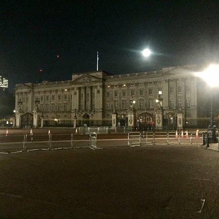 Valokuva: Buckingham Palace