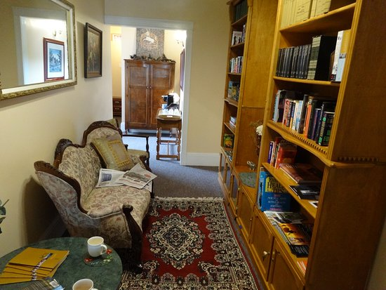 Pictou, Canada: Book/Library area that is on two floors