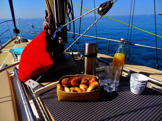 Pirat: Thé ou café? Petit dèj zen sur les flots