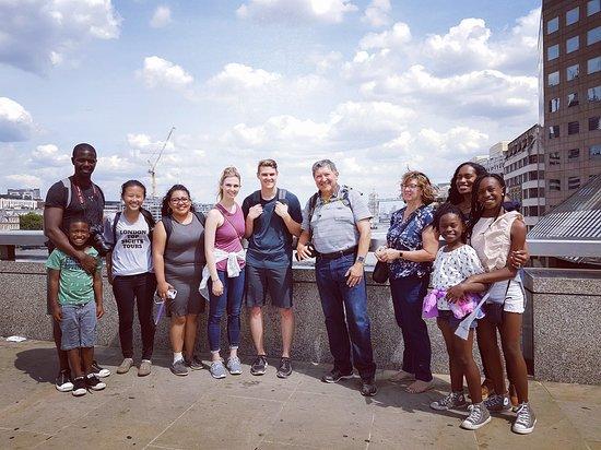 London Top Sights Tours: Another happy tour group at London Bridge