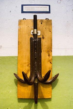 Museo Maritimo y del Presidio de Ushuaia: Gancho para sacar cuerpos del río
