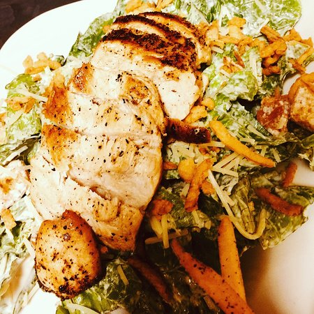 Kill Devil Hills, Βόρεια Καρολίνα: Grilled Chicken Caesar Salad